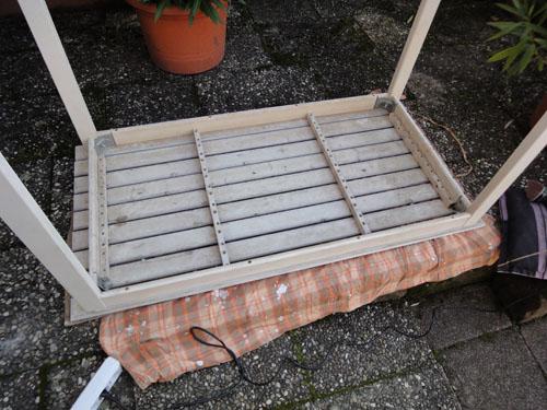 gartentisch restaurierung teil 1 die aufbereitung wohncore wohncore. Black Bedroom Furniture Sets. Home Design Ideas