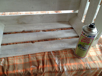 Kiste-Innenseite-lackiert