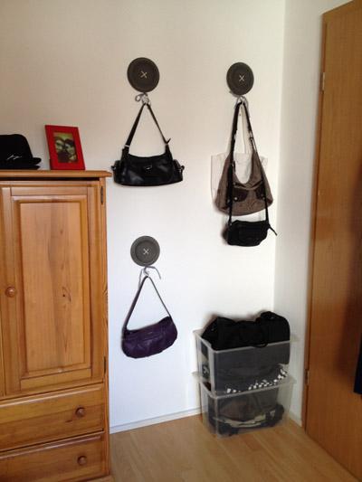Taschen Platzsparend Aufbewahren : tipps zu handtaschen freitag ist ordnungstag wohncore ~ Watch28wear.com Haus und Dekorationen