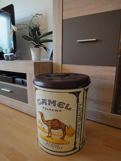 Camel-Hocker