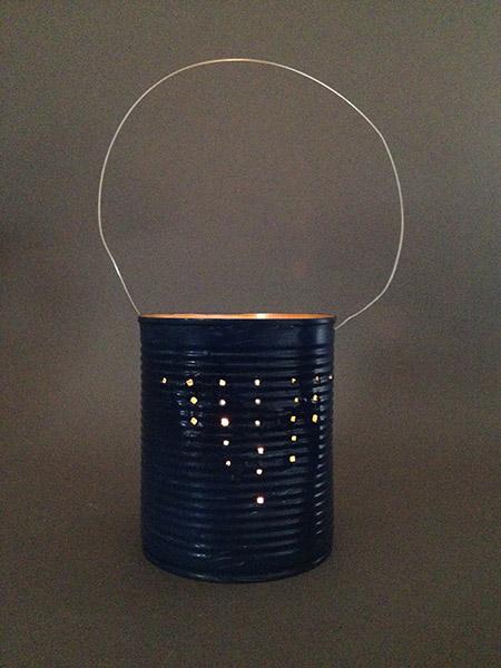 basteln mit blechdosen diy windlicht wohncore. Black Bedroom Furniture Sets. Home Design Ideas