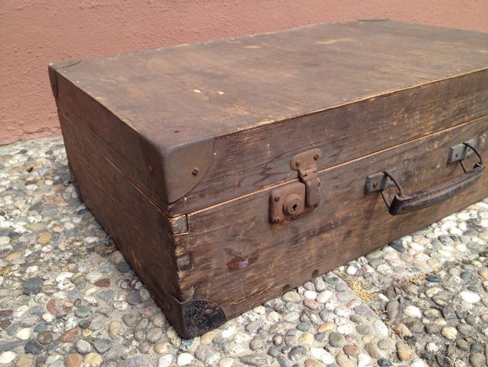 koffer restaurieren variante 1 holzkoffer wohncore. Black Bedroom Furniture Sets. Home Design Ideas