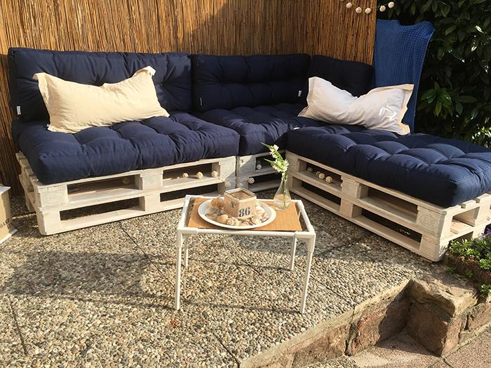 palettenm bel selber bauen teil 4 unsere neue gartenlounge wohncore. Black Bedroom Furniture Sets. Home Design Ideas