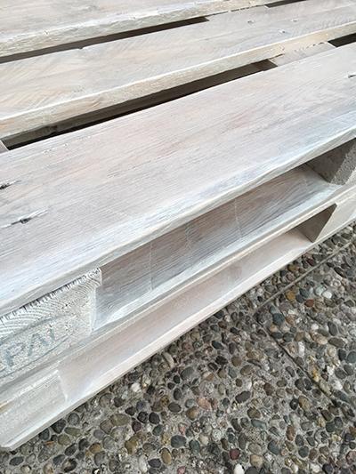 Palettenmöbel selber bauen: Paletten lasieren – Teil 3 - wohncore ...