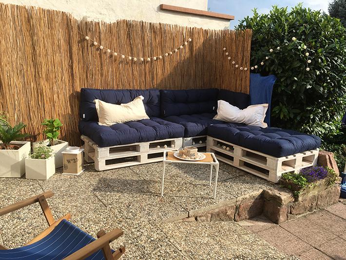 palettenm bel selber bauen teil 4 unsere neue gartenlounge wohncore wohncore. Black Bedroom Furniture Sets. Home Design Ideas
