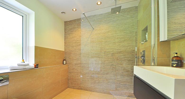 Tipps zur Badezimmer Renovierung: Informationen rund um die Dusche ...