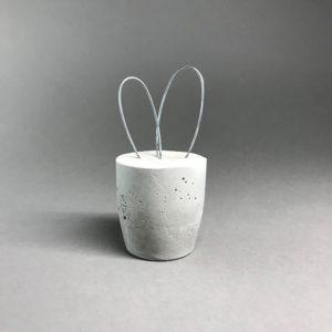 Beton-Hase-Drahtohr-gross_01